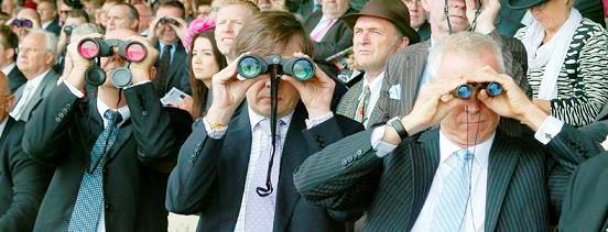Size of racing binocular